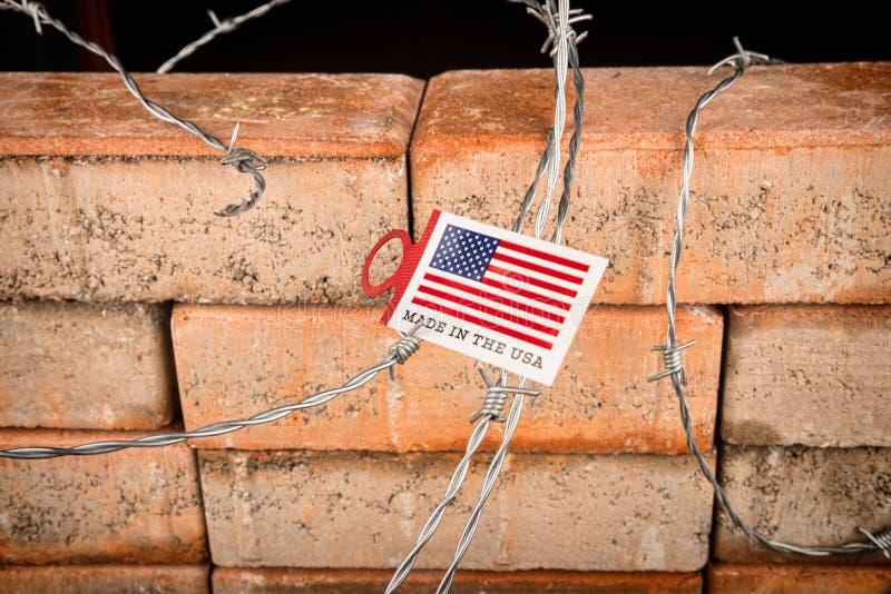 Стена, концепция иммиграции стоковые фото