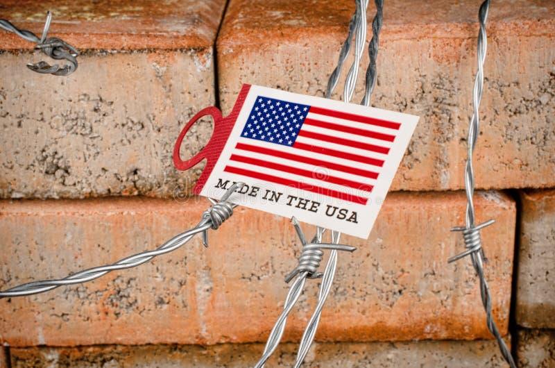 Стена, концепция иммиграции стоковое фото rf