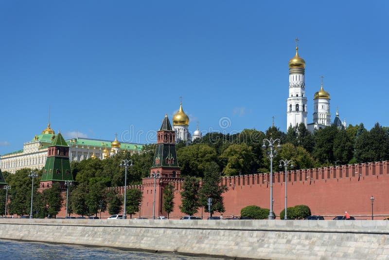 Стена Кремля от стороны реки Москвы стоковое изображение