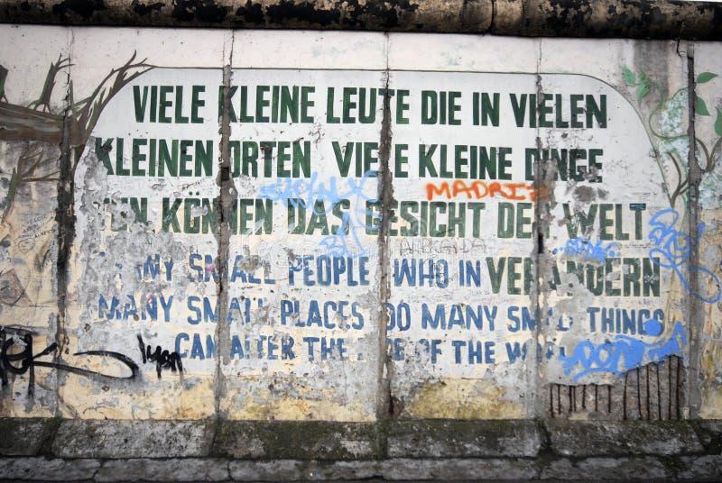 стена надписи на стенах berlin стоковое фото rf
