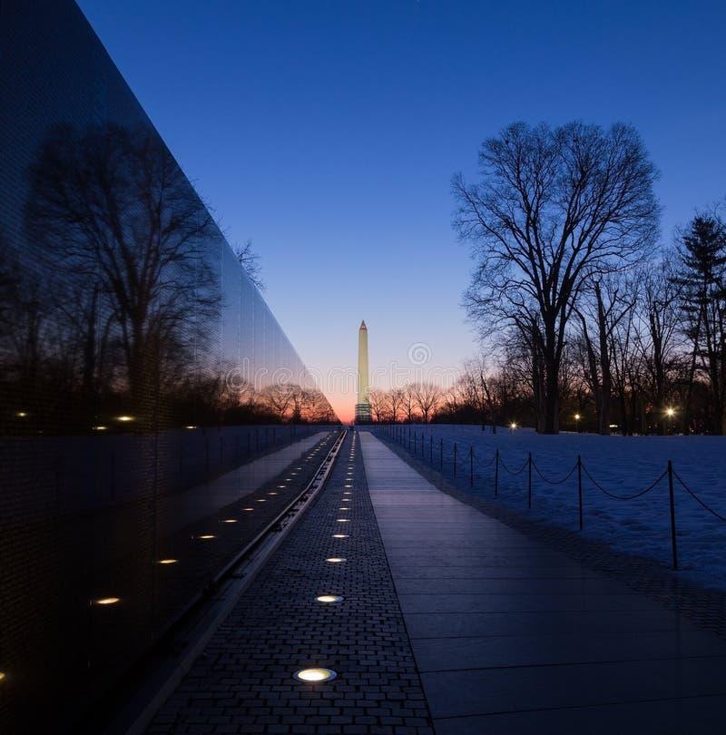 Стена на восходе солнца, Вашингтон ветеранов Вьетнама мемориальная, DC стоковая фотография rf