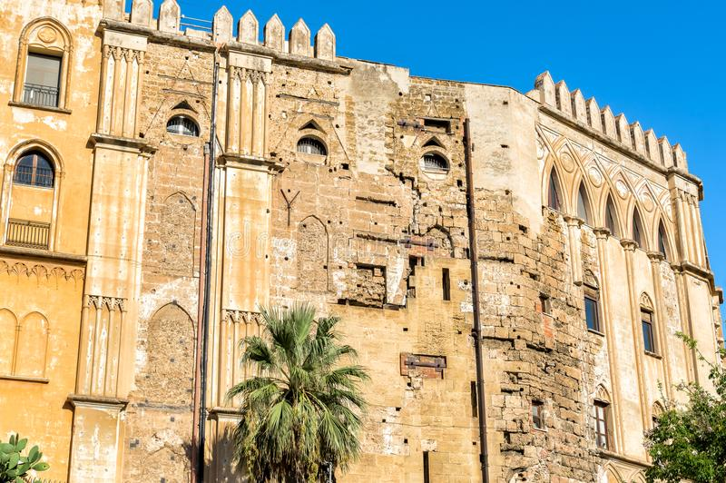 Стена нормандского королевского дворца в Палермо, Сицилии стоковая фотография