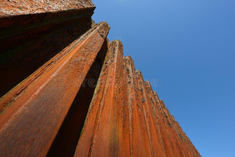 Стена обороны моря стоковая фотография