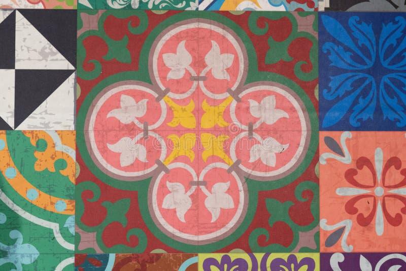 Стена от красочных керамических плиток для картины конспекта плитки мозаики предпосылки стоковая фотография