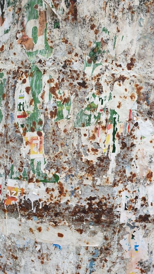 Стена ржавчины Pilled стоковое фото rf
