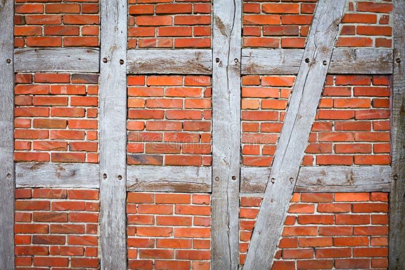 Стена тимберса обрамляя стоковые изображения rf