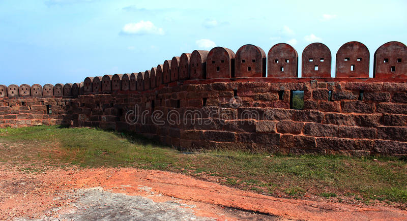 Стена форта с небом стоковое фото