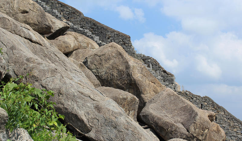 Стена форта Gingee стоковое фото