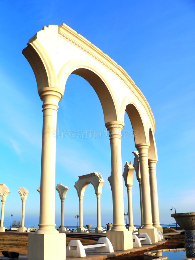 Download стена стоковое изображение. изображение насчитывающей небо - 484259