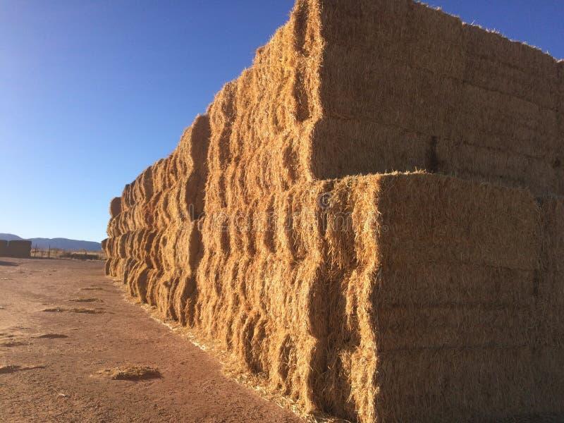 Стена bales сена стоковые изображения rf