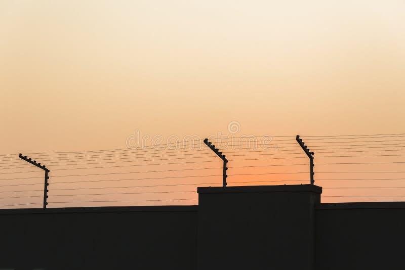 Стена Electrified безопасностью стоковые фотографии rf