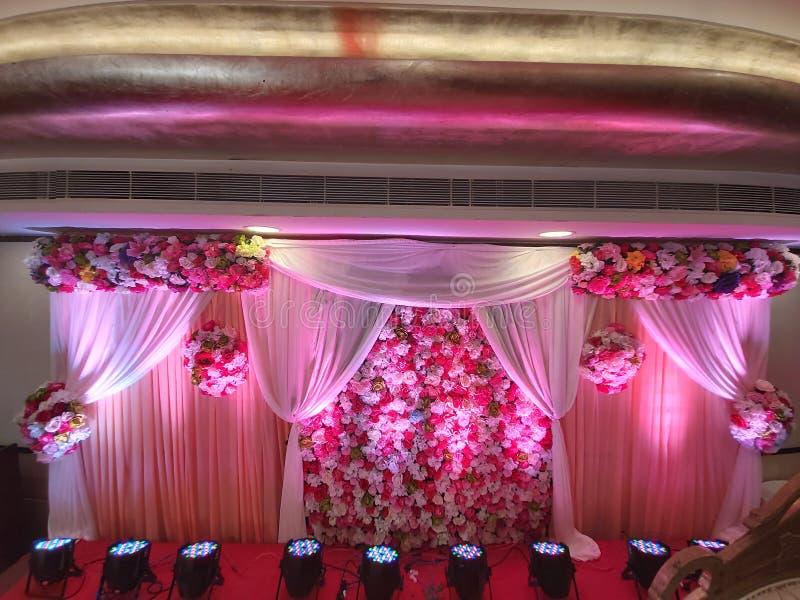 Стена Pesting, фон свадьбы, фон захвата стоковые фотографии rf