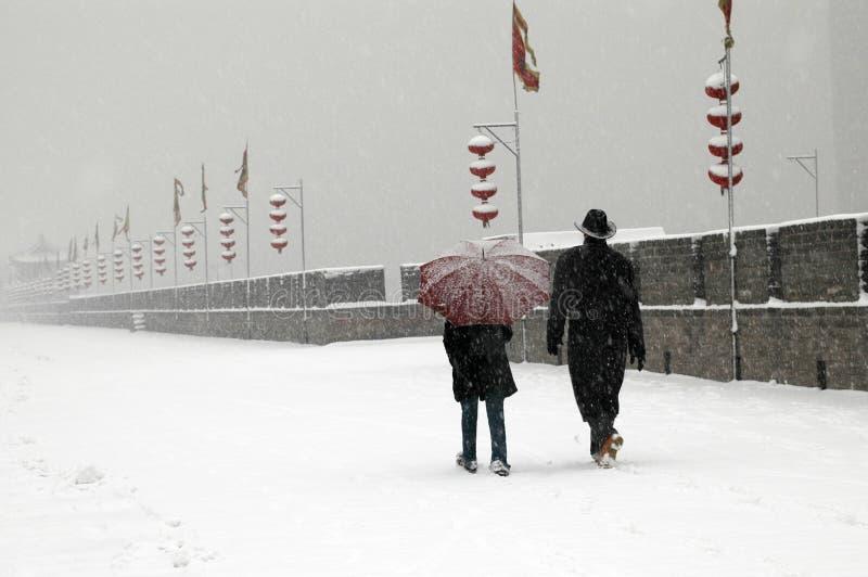 стена xian города идя снег стоковые изображения rf