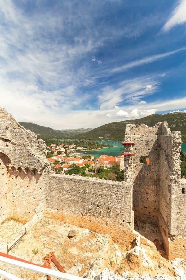 Стены в Мали Ston, Далмации, Хорватии стоковое фото