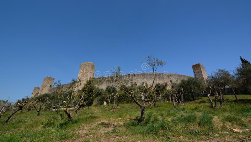 Стены городка Monteriggioni Toscana r стоковое фото
