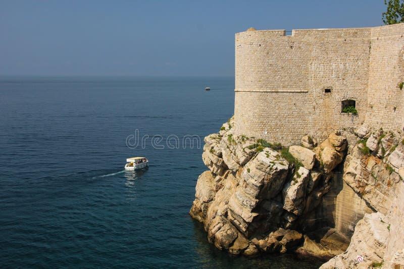 стены города dubrovnik Хорватия стоковая фотография rf