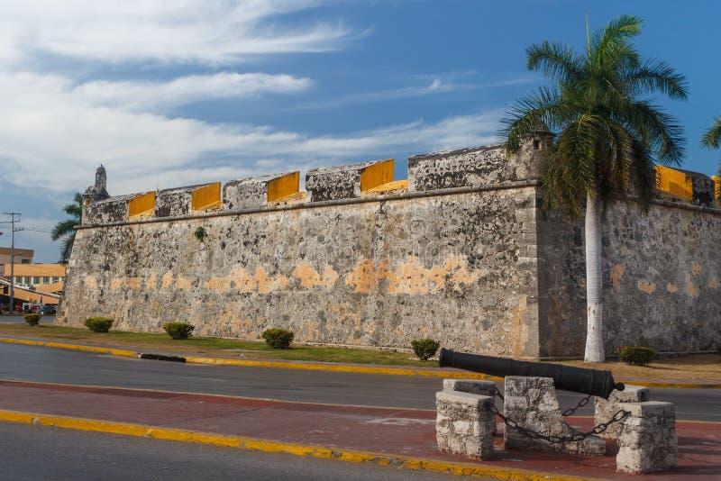 Стены городищ колониального города Кампече стоковые изображения rf