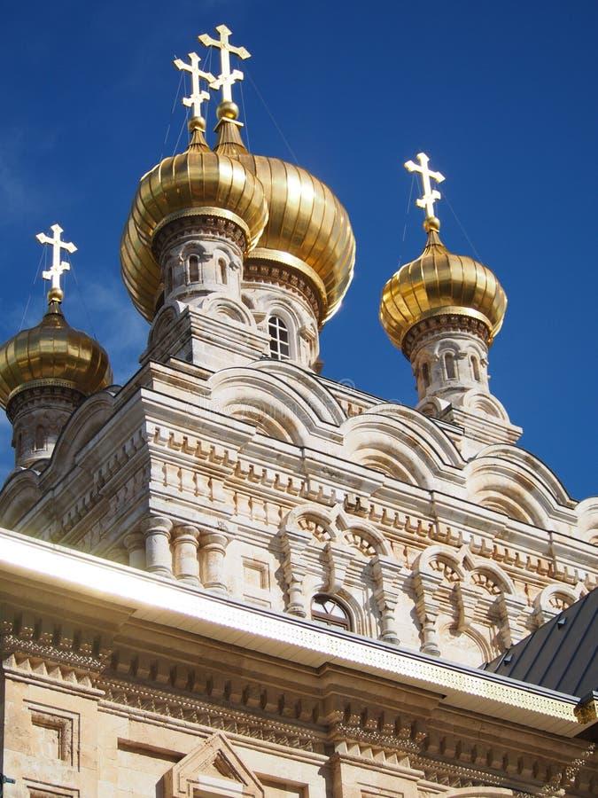 стены Иерусалима magdalene mary сметанообразных куполов церков золотистые каменные стоковые фото