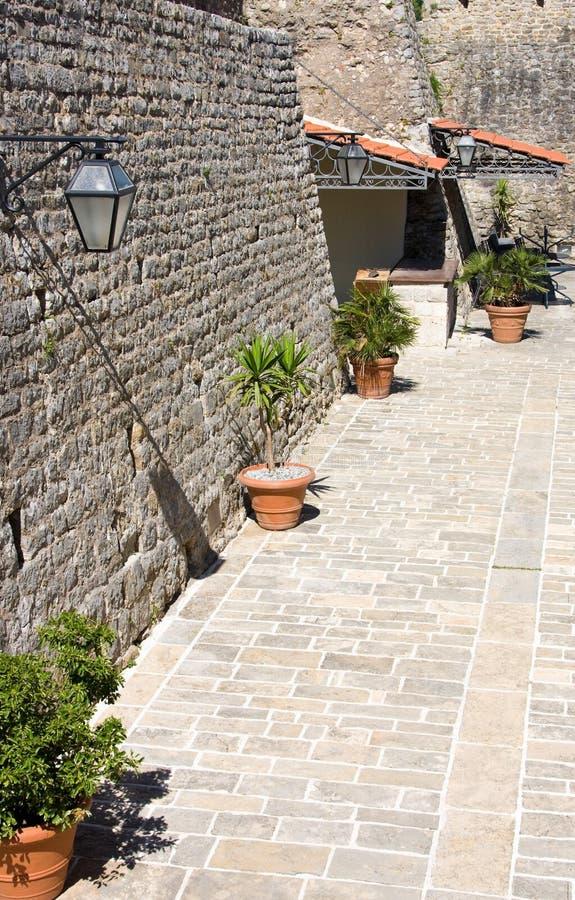 Стены исторической крепости, цитадели Budva, Черногори стоковое фото rf