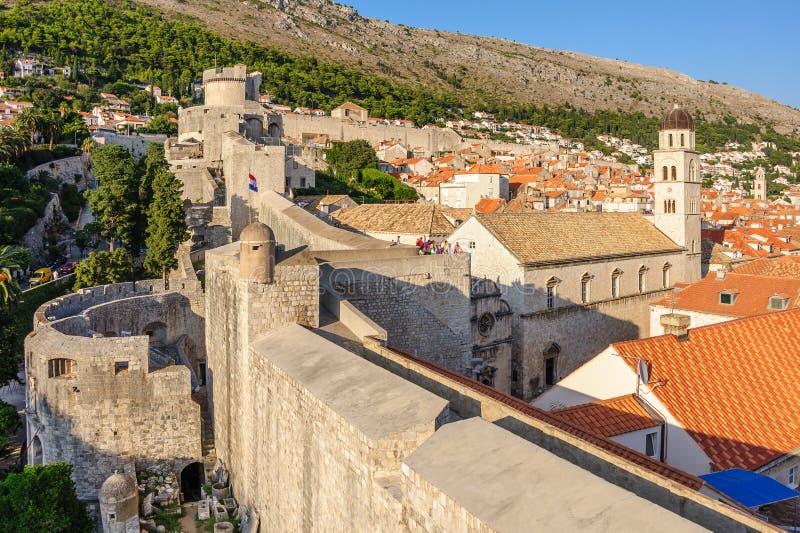 Стены обороны Дубровника западные стоковые фото
