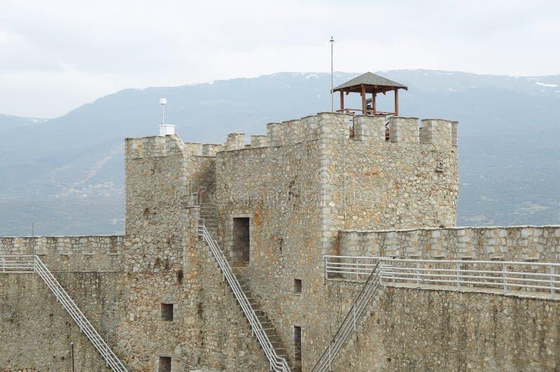 Стены окружая крепость короля Samuil в Ohrid стоковое изображение rf