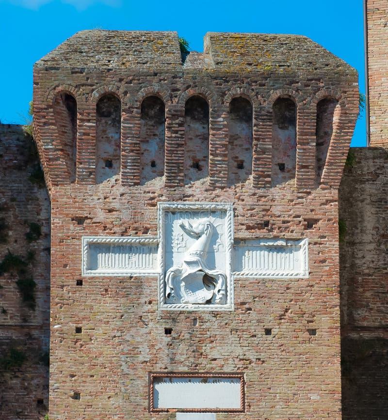 Стены средневекового замка Sigismondo в Римини стоковое изображение rf