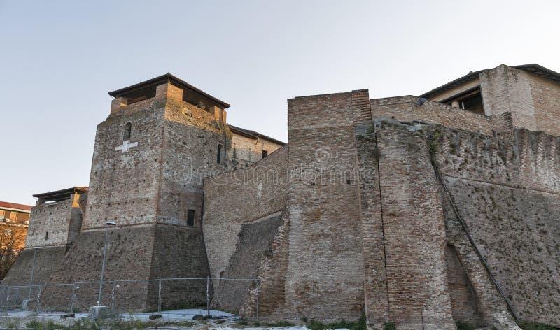 Стены средневекового Sigismondo рокируют в Римини, Италии стоковое изображение rf