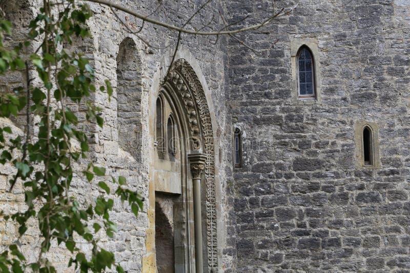 Стены старого замока стоковые изображения