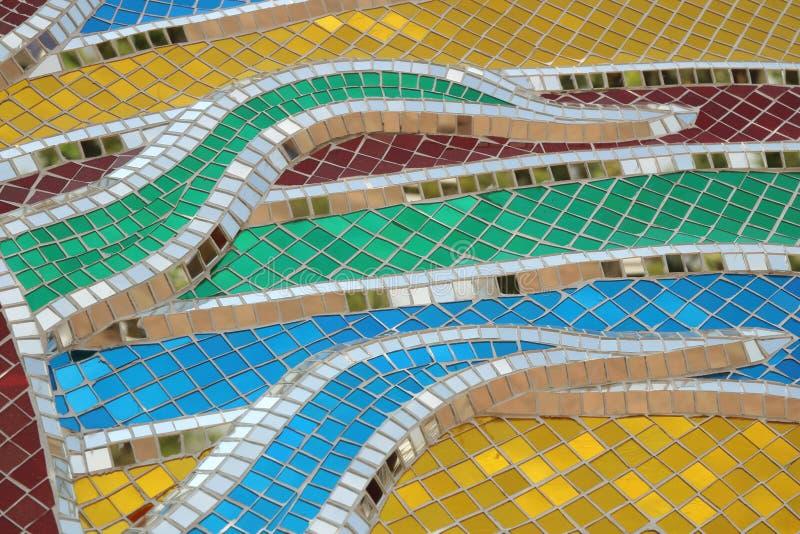 Стены украшены с красочной стеклянной текстурой стоковые фотографии rf