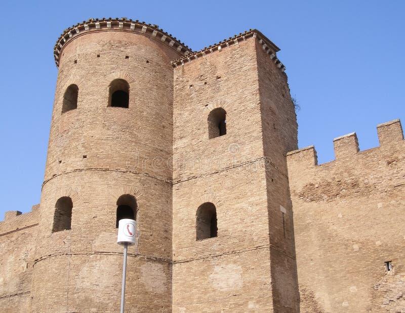 Стены Aurelian в Риме стоковые фото