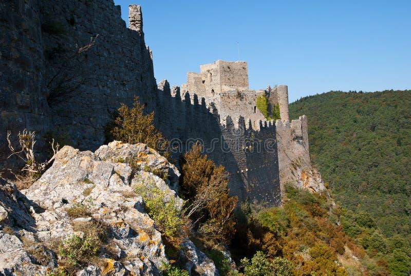 Стены nord Puilaurens замка стоковые изображения rf