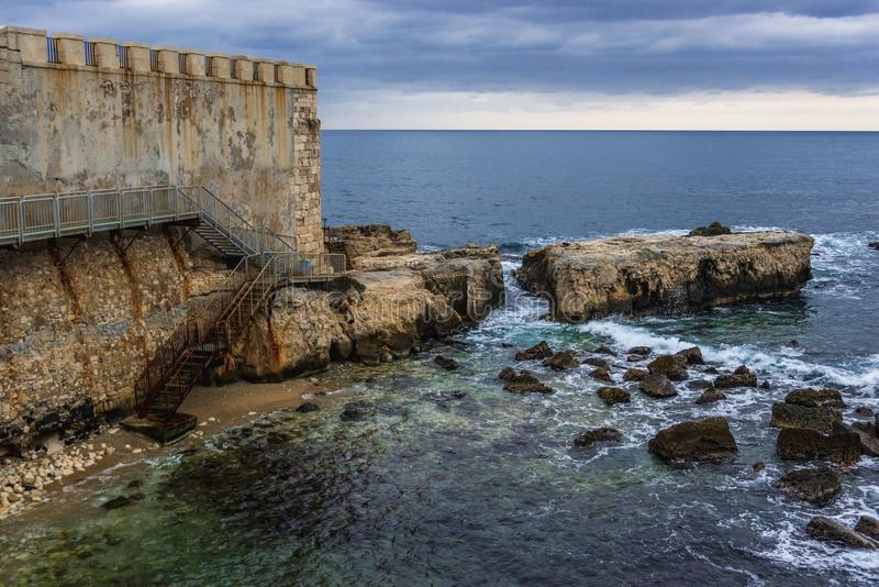 Стены Ortygia стоковое фото