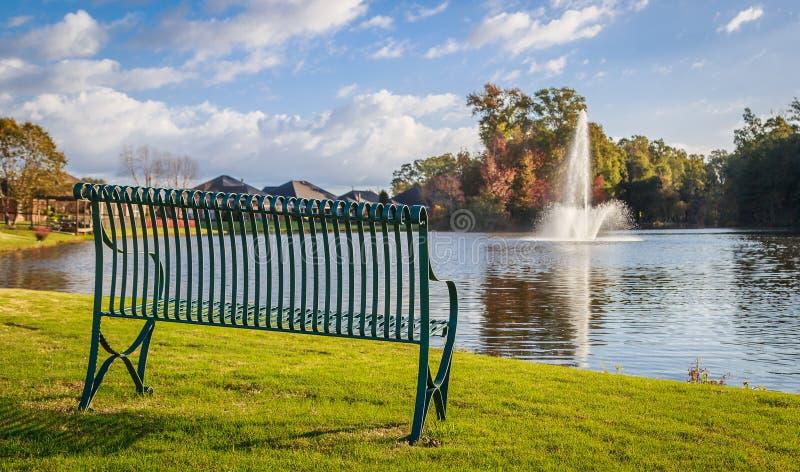Стенд озера думая стоковое фото