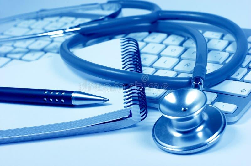 Download Стетоскоп. Клавиатура компьютера. Тетрадь Стоковое Фото - изображение насчитывающей здоровье, сообщение: 33728268