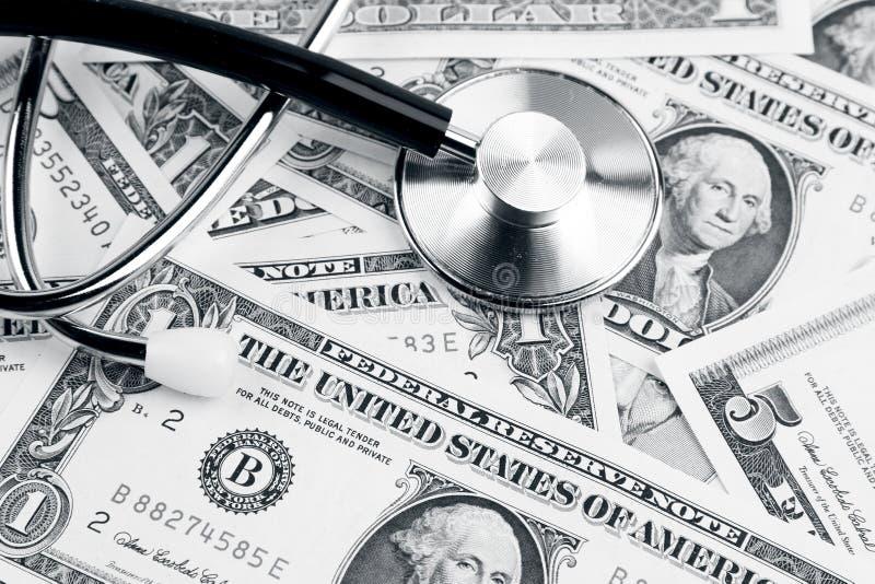 Стетоскоп на наличных деньгах стоковое изображение rf