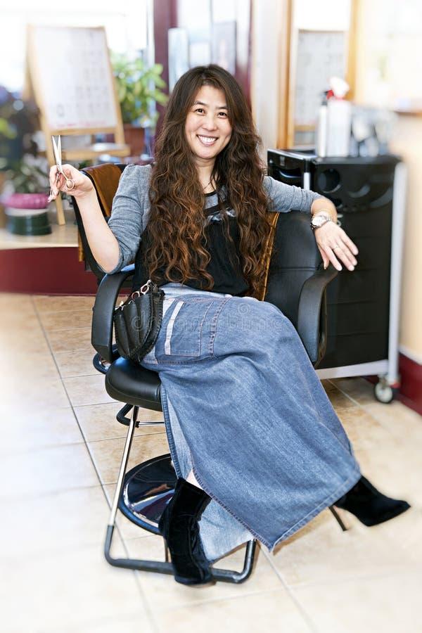 стилизатор салона волос стоковое фото rf