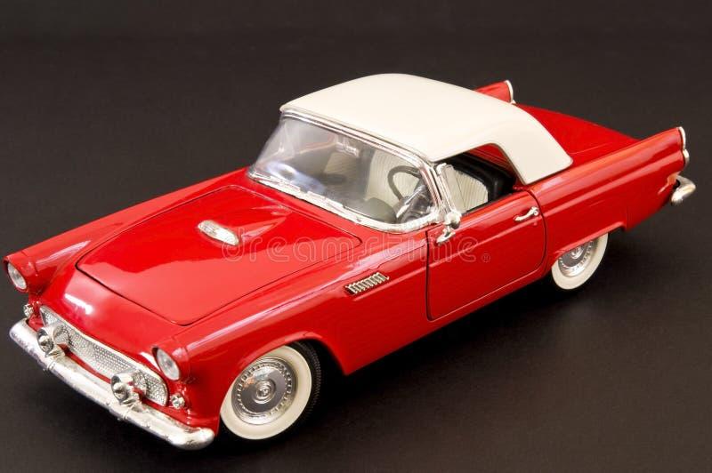 стильное классицистической мышцы автомобиля красное стоковая фотография rf