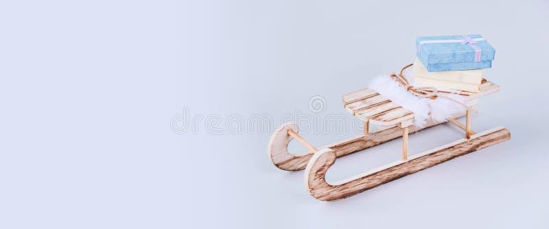 Стильный винтажный деревянный скелетон стоковое фото