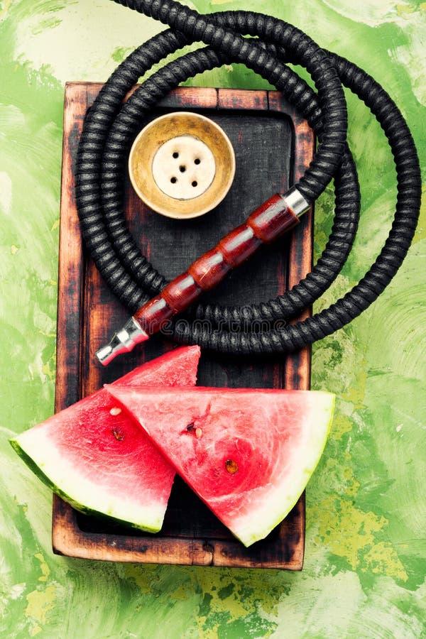 Стильный ретро кальян с вкусом арбуза стоковое изображение rf