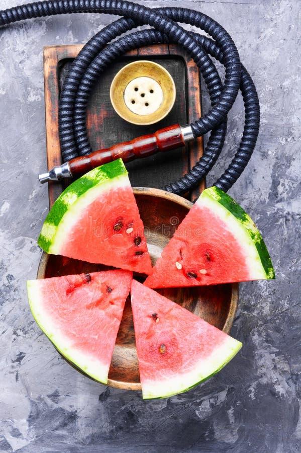 Стильный ретро кальян с вкусом арбуза стоковые изображения rf