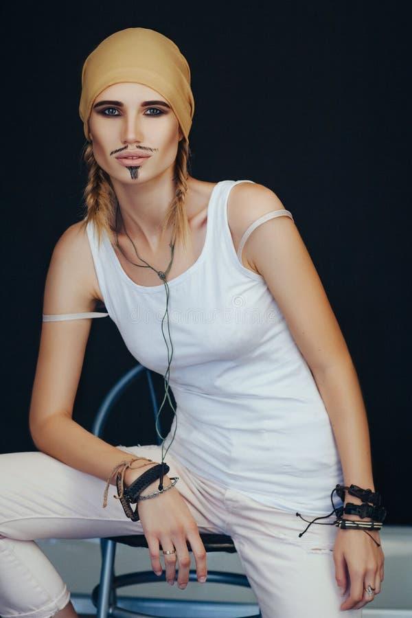 Стиль пирата человека для женщины стоковые изображения rf