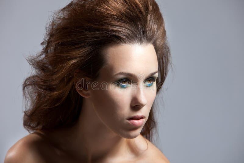 стиль причёсок одичалый стоковые изображения rf