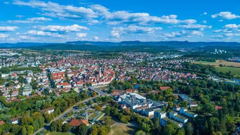 Стихарь Suabian в Германии с городом Nuertingen стоковые фотографии rf