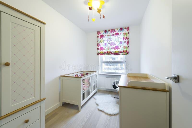 Стильная комната для младенца стоковая фотография rf