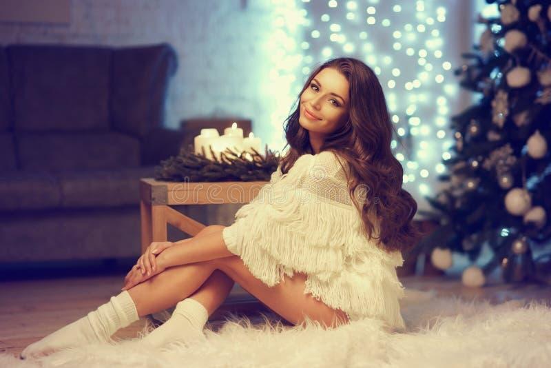 Стильная модная девушка стоковое изображение rf