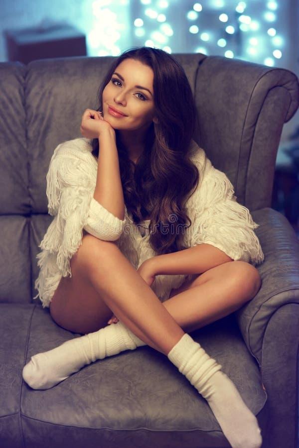 Стильная модная девушка стоковая фотография rf