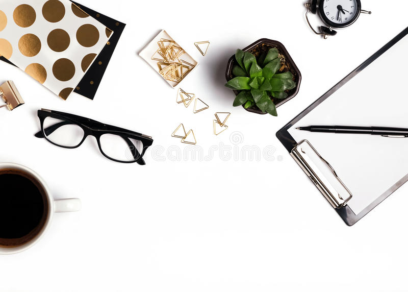 Стильные аксессуары на белой предпосылке стоковая фотография