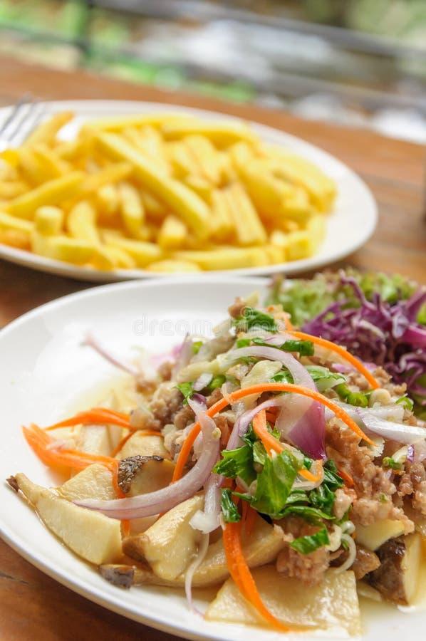 Стиль пряного салата гриба тайский стоковая фотография rf