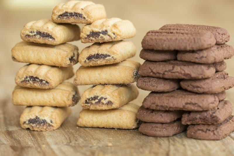 Стог заполненного печенья завтрака стоковое изображение rf