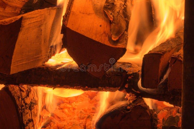 Стог ожогов швырка в печи стоковая фотография rf